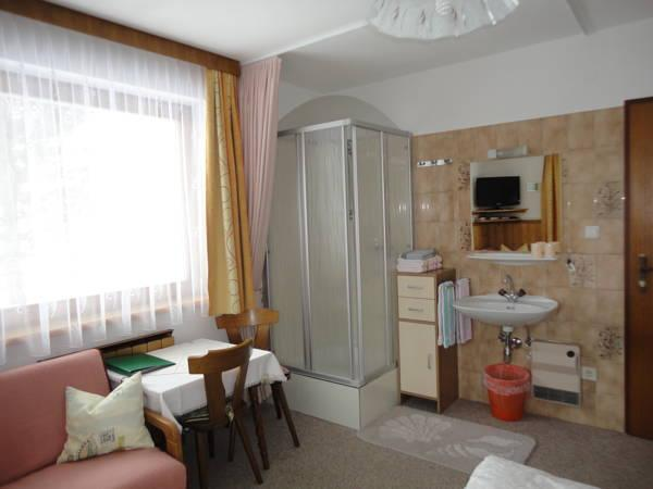 Doppelzimmer mit Balkon und Dusche – Abendruh (Double Room with Balcony and Shower - Abendruh)