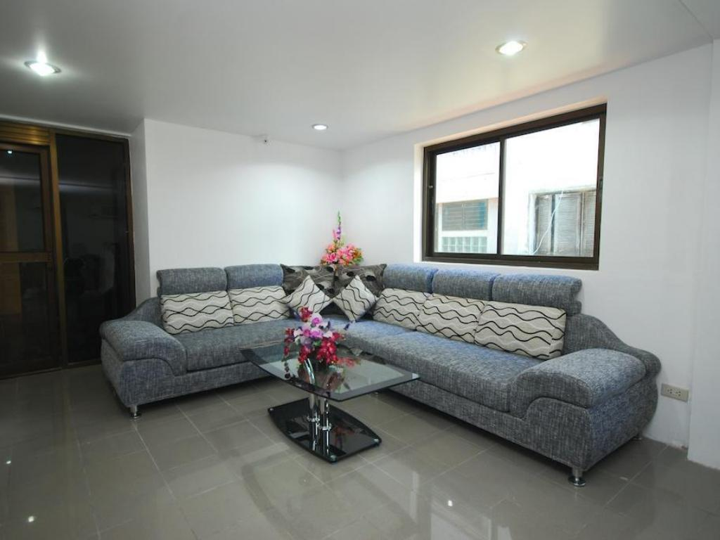 Lobby Patong Budget Rooms