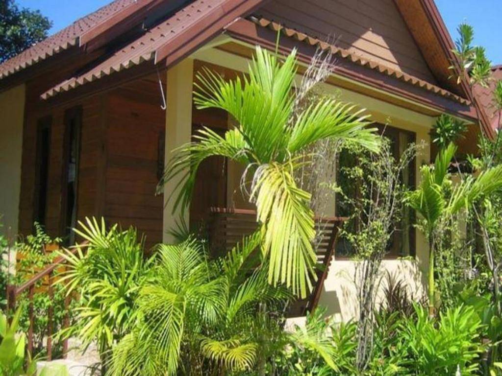 More about Haadyao Sunset Bungalow