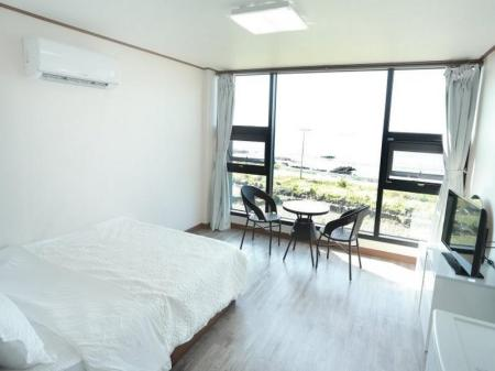 Deluxe Double Room For Ahn Jeju Pension