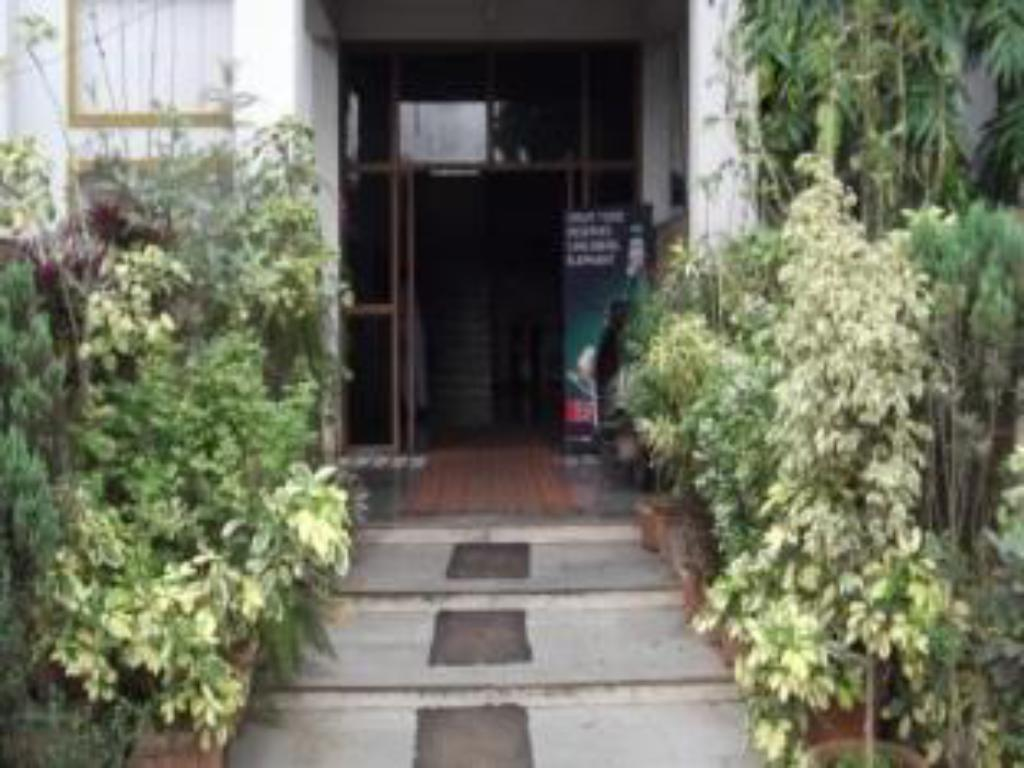 Entrance Hotel Indrayani