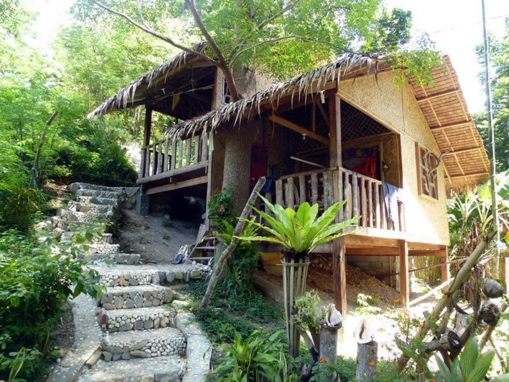 Native Fan Cottage Jungle Beach Resort