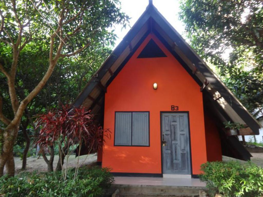 Exterior view Cashewnut Tree Bungalows