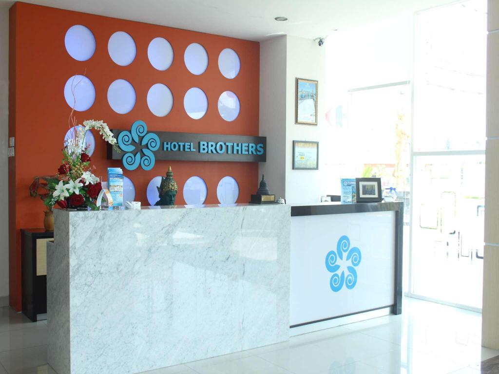 Hotel Brothers Solo Baru