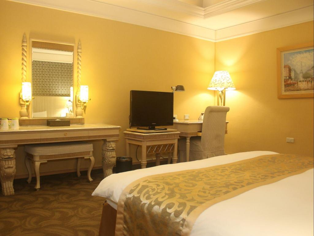 Standard Double Room (No Window) - Guestroom Lichia Royal Garden Hotel