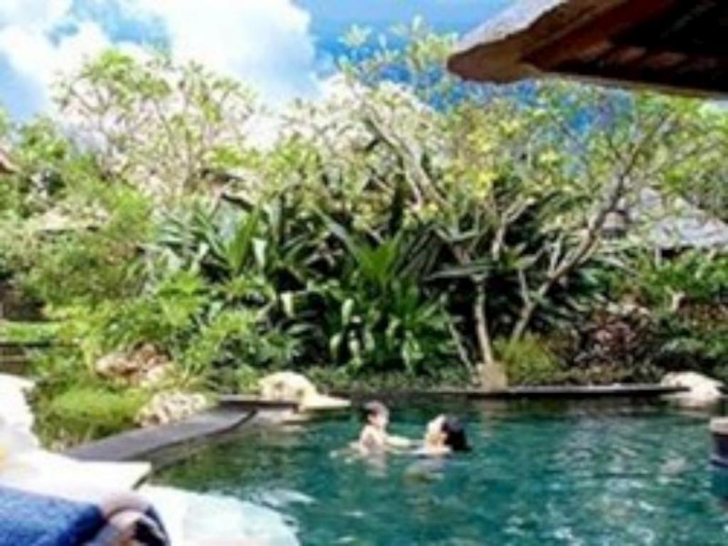 Swimming pool Sanctuary Villa Nusa Dua