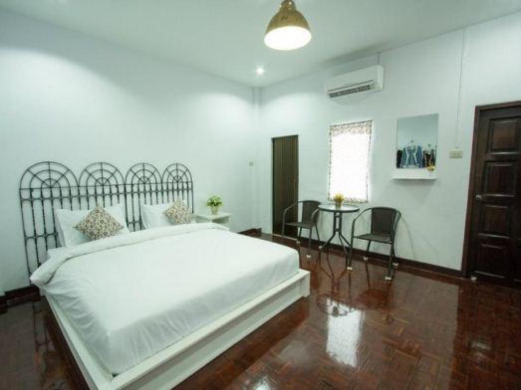 Superior Double Room Rabaeng Trang Hotel
