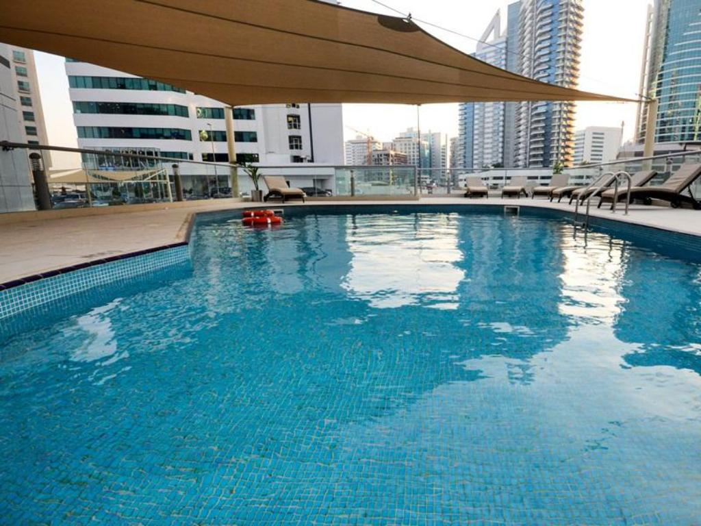 Swimming pool Grand Midwest Reve - Tecom Hotel Dubai