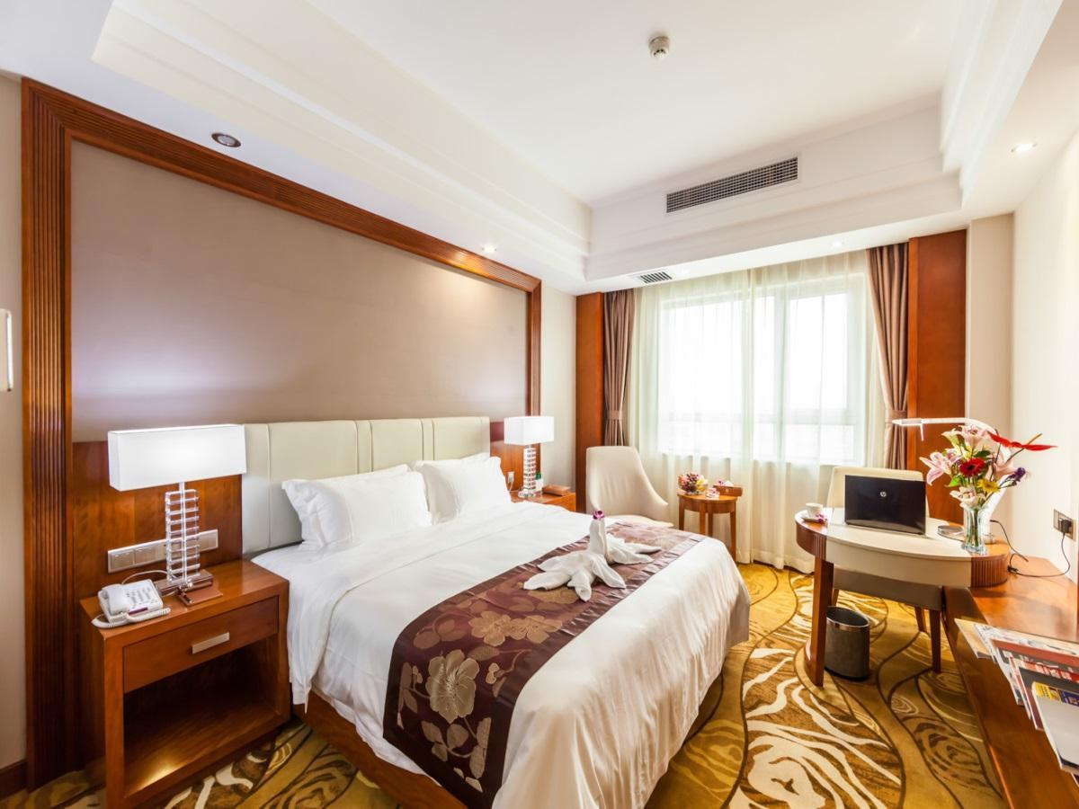 Hongkong International Hot Spring Hotel In Haikou