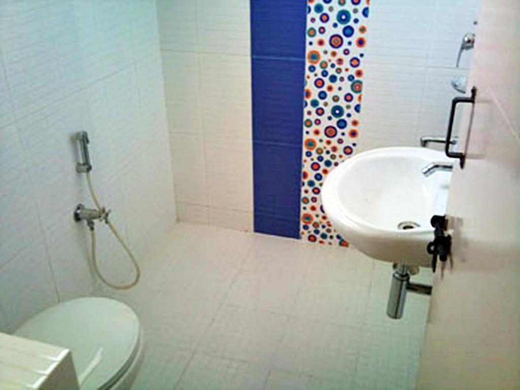 Bathroom Transit Homestay Hosur Road