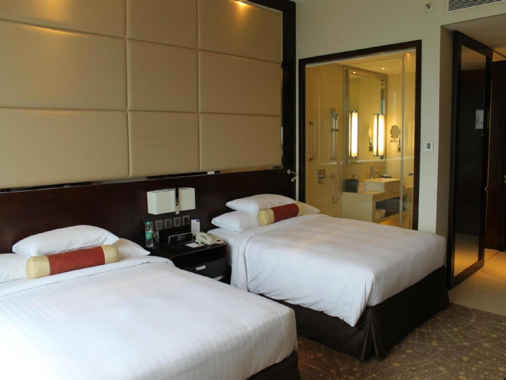 Deluxe room, Guest room, 1 King or 2 Twin/Single Bed(s) - Bed Courtyard Pune Chakan