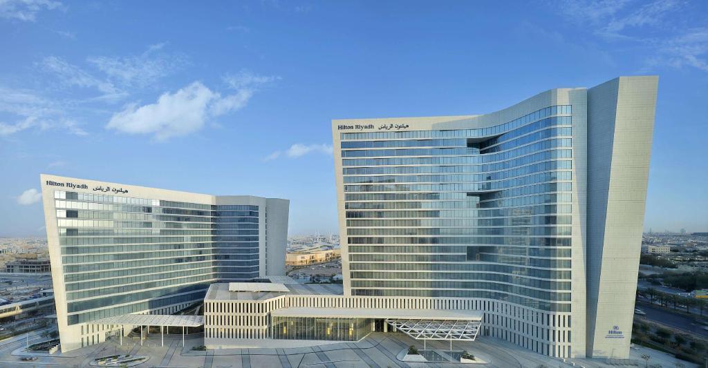 فندق وريزدنسيز هيلتون الرياض الرياض احصل على لائحة أسعار 2021 ومع إلغاء مجاني
