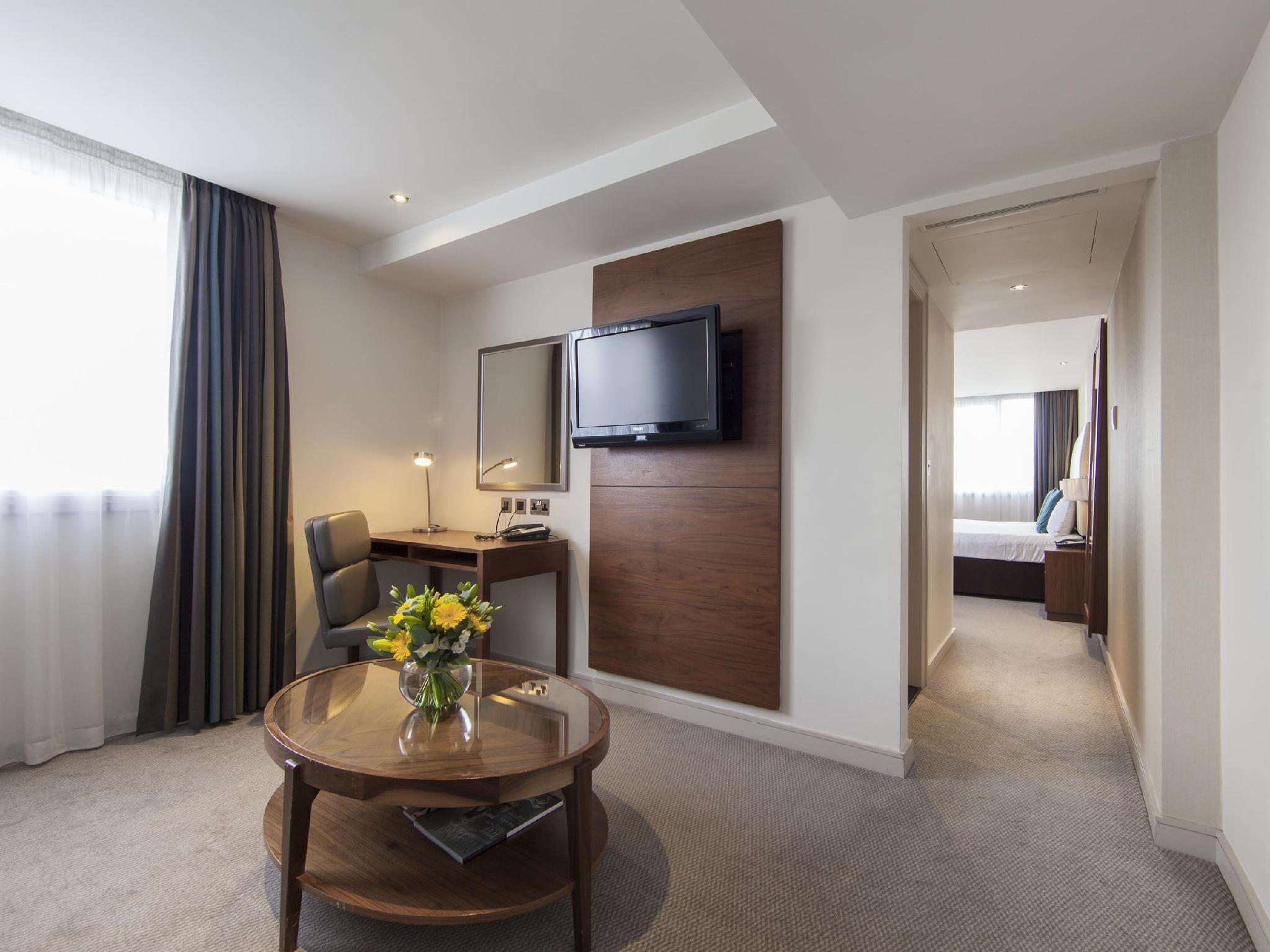 Best Price on Thistle Kensington Gardens Hotel in London Reviews