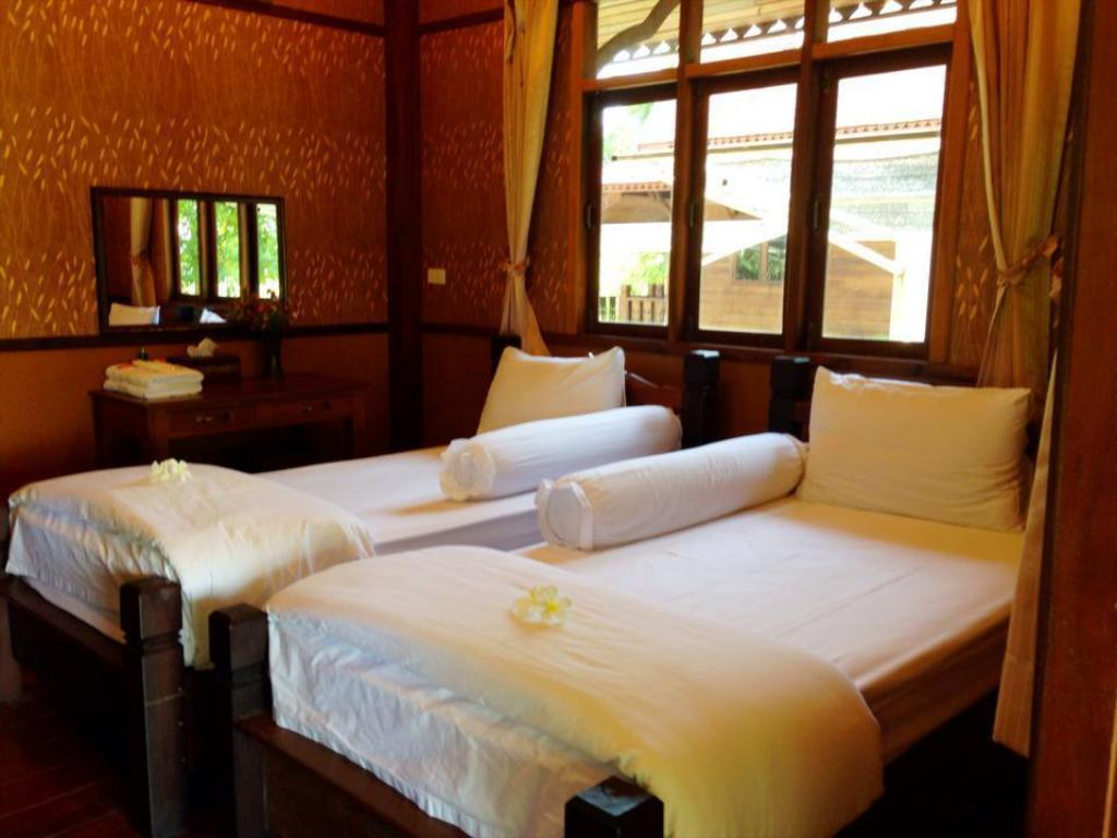 Deluxe Teakwood Cottage Ban Mai Ngam Boutique Resort and Spa