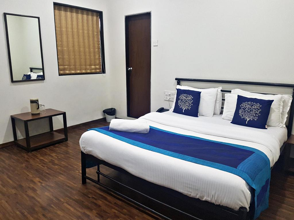 See all 6 photos Hotel Kumkum