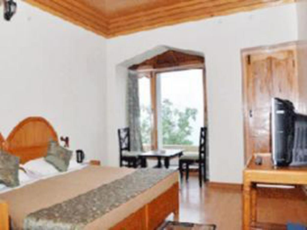 Deluxe Room Only - Guestroom Kausani Best Inn