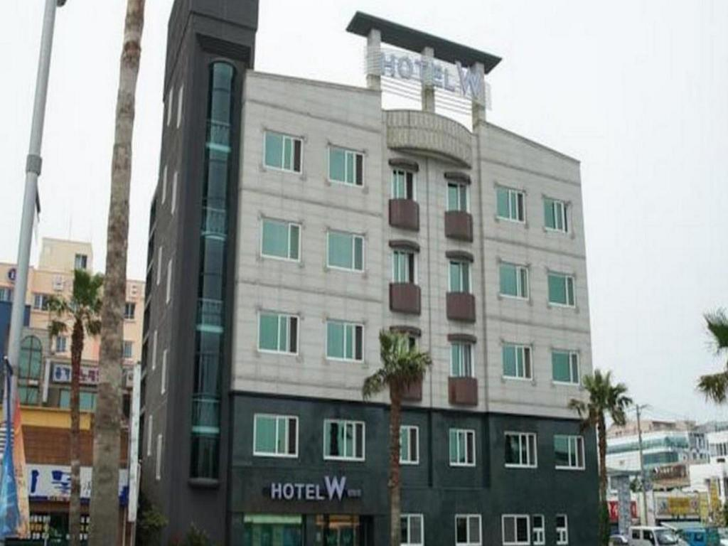 More about Hotel W Topdong