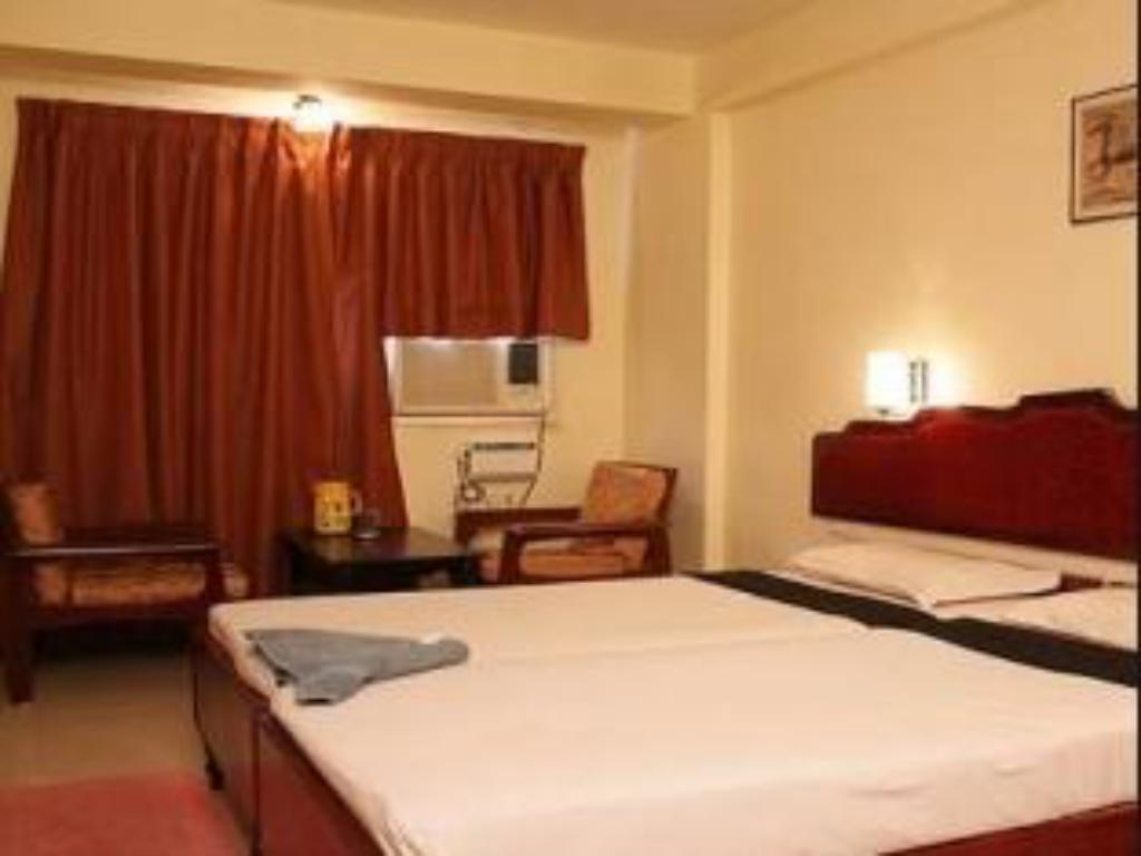 Standard Room - Guestroom Hotel Mount Heera - Close to Chennai Airport
