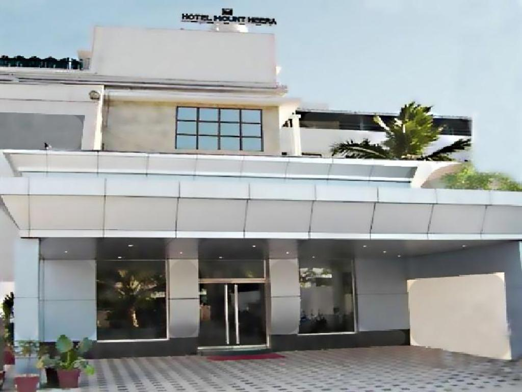 Exterior view Hotel Mount Heera - Close to Chennai Airport