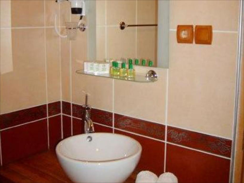 Bathroom Inan Kardesler Bungalow Motel