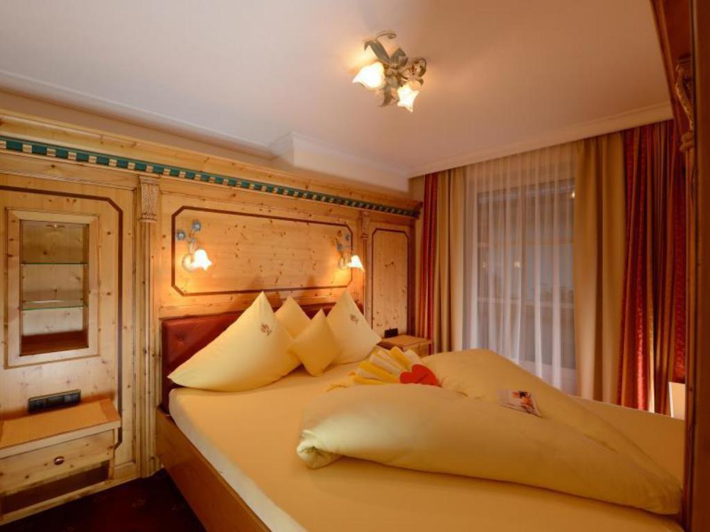 Double Room - Bed Wellness and Beauty Hotel Alte Post