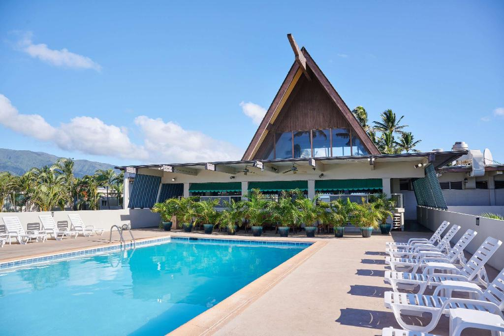 More about Maui Beach Hotel