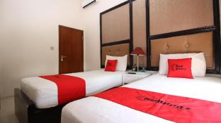 RedDoorz Plus near Tugu Jogja 2