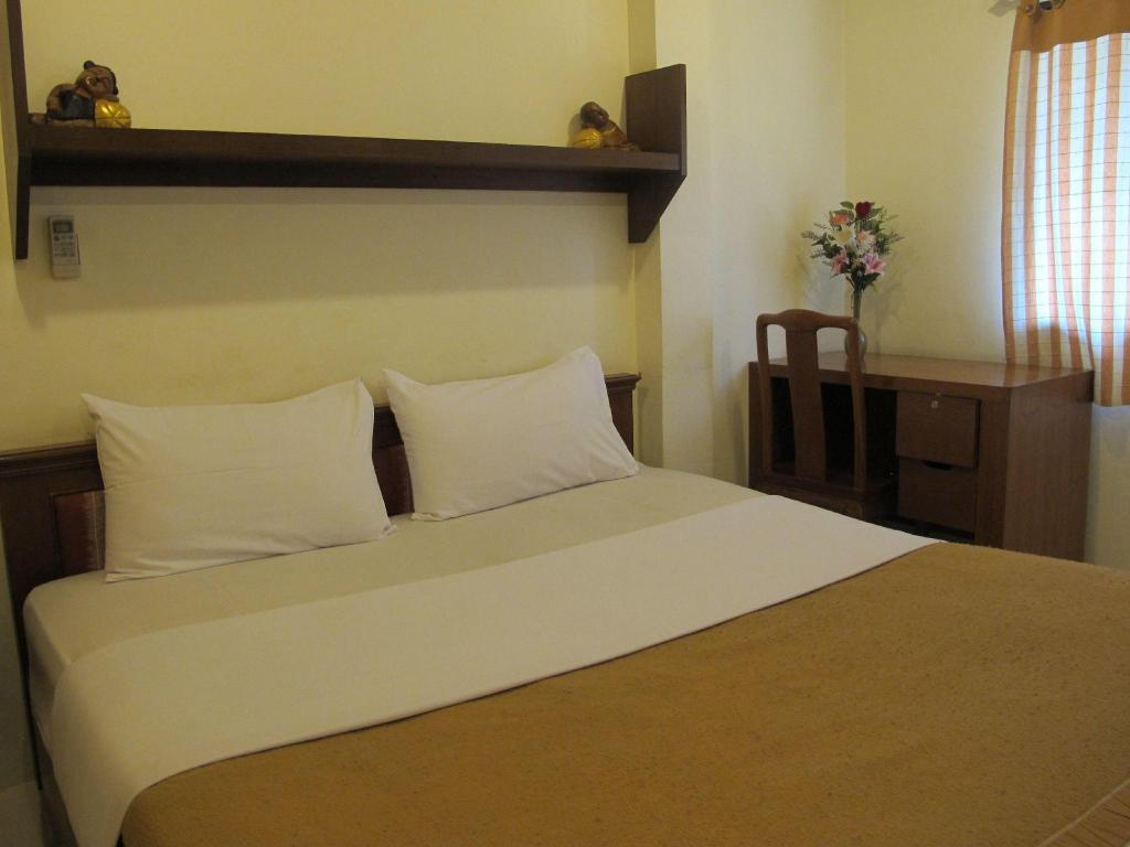 Standard Double Room - Bed Bautong Lodge