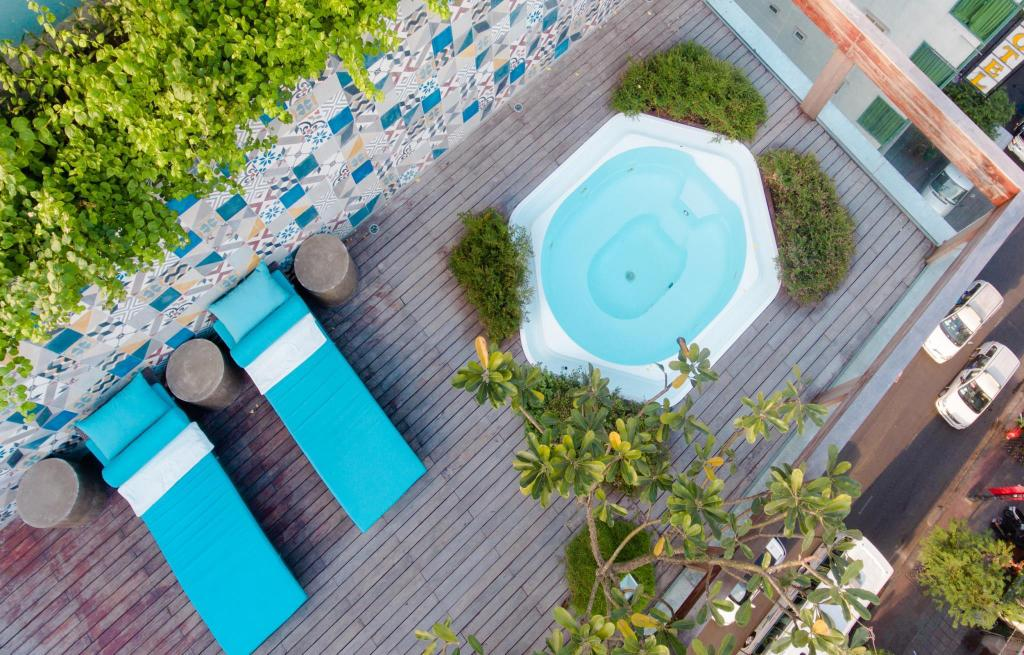 Swimming pool A&Em 280 Le Thanh Ton Hotel & Spa