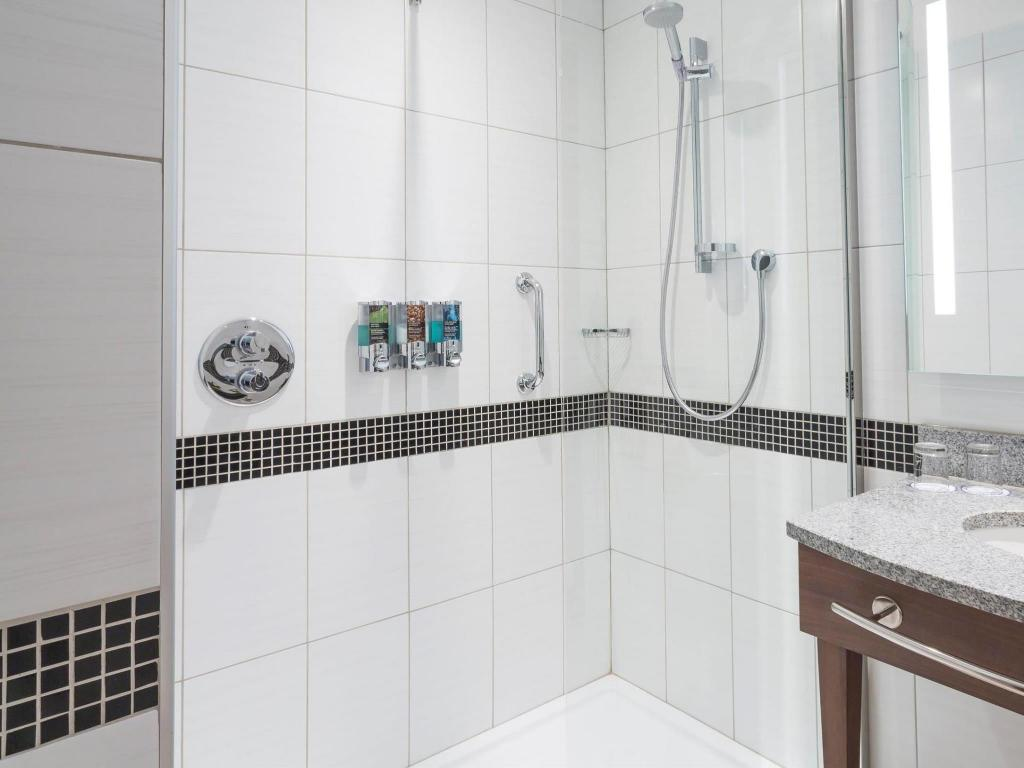 Bathroom Hampton by Hilton Voronezh