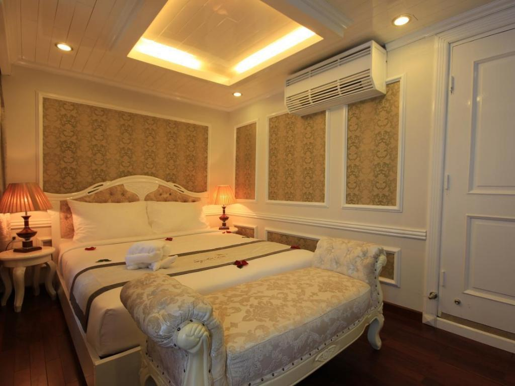 Junior Suite 2 Days 1 Night Full Board (Lunch-Dinner-Breakfast) Signature Halong Cruise