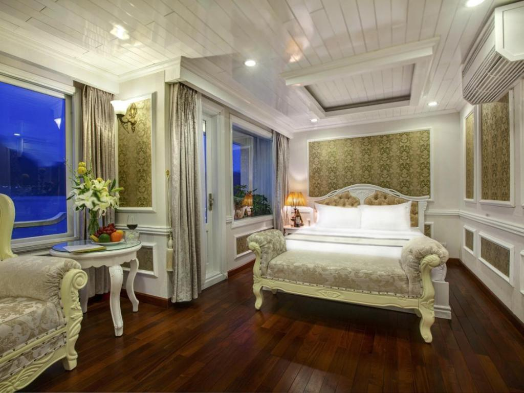 Interior view Signature Halong Cruise