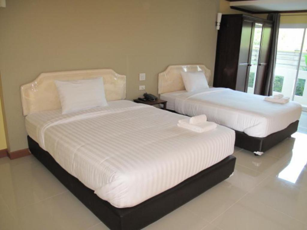 Double Standard - Bed Chada View Resort