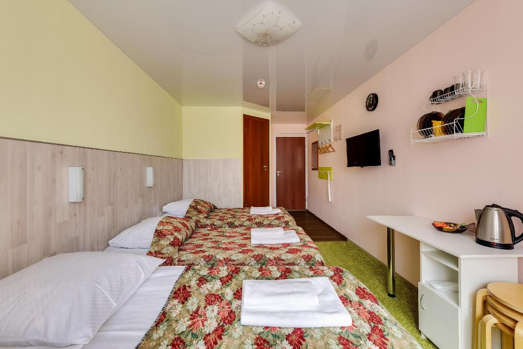 Standard Triple Room without Window Avita III Hotel