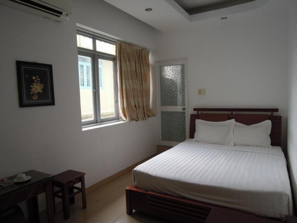 Superior Double Room With Window - Bed Thien Phat Y Hotel