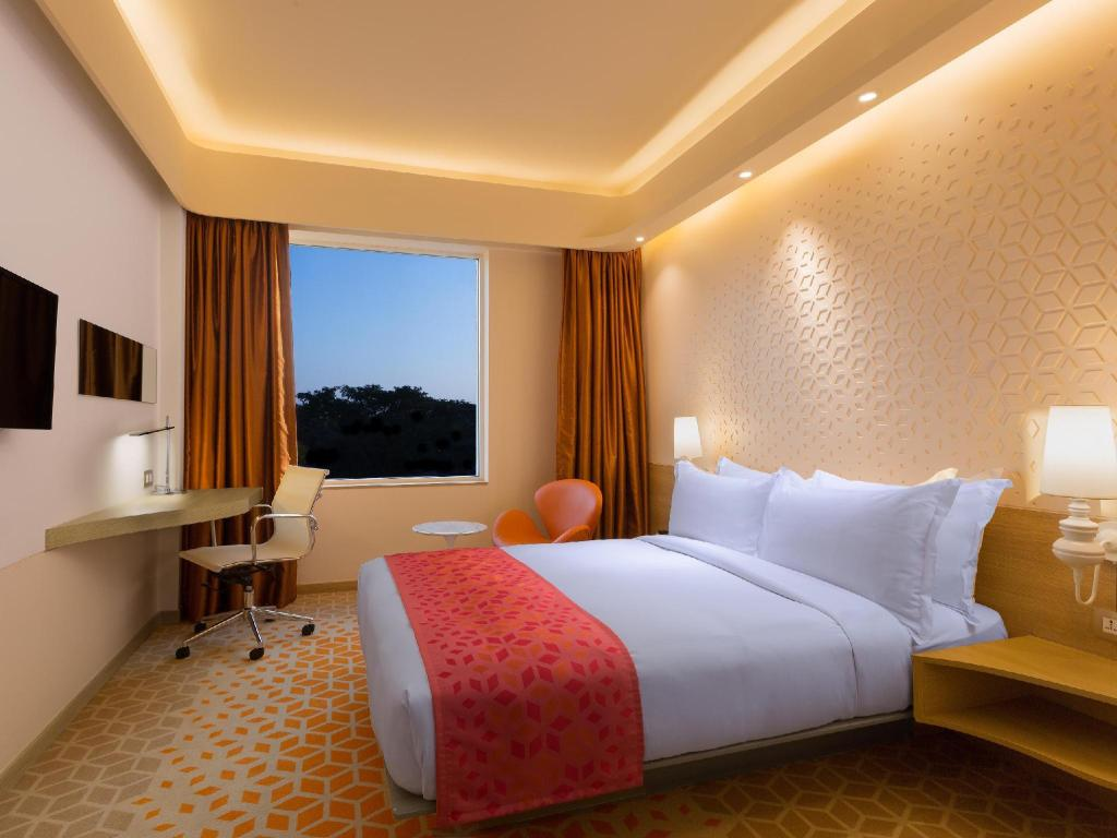 Deluxe - Guestroom Holiday Inn Express Chennai Mahindra World City