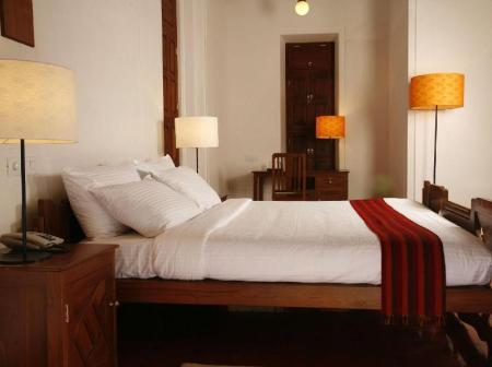 Traditional Room - Bed Visalam - CGH Earth