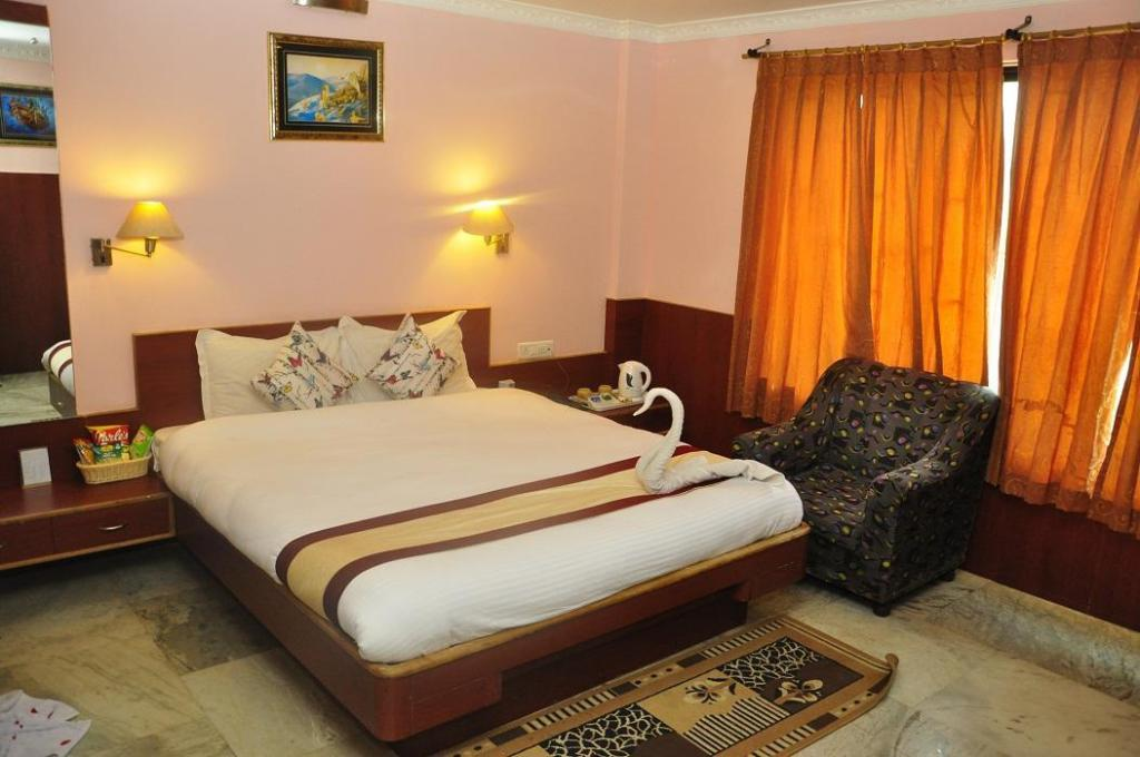 See all 6 photos The Amrapalli Resort