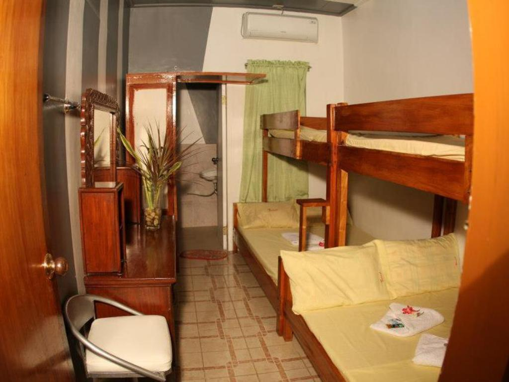 Dormitory Good for 6 - Guestroom RPK Dormitory Bed and Breakfast