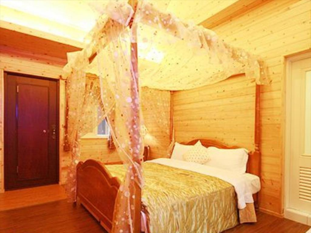 Double - Bed Rensheng Resort