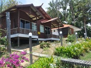 hotels near tusan beach miri best hotel rates near beaches miri rh agoda com