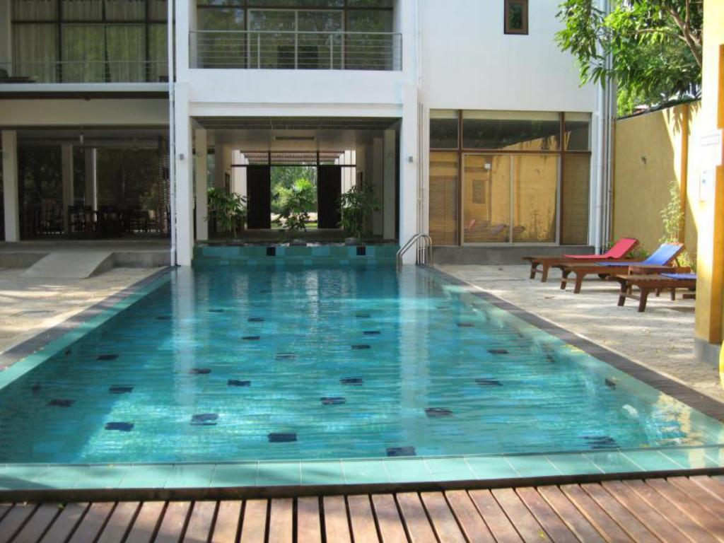 Swimming pool Neem Villas