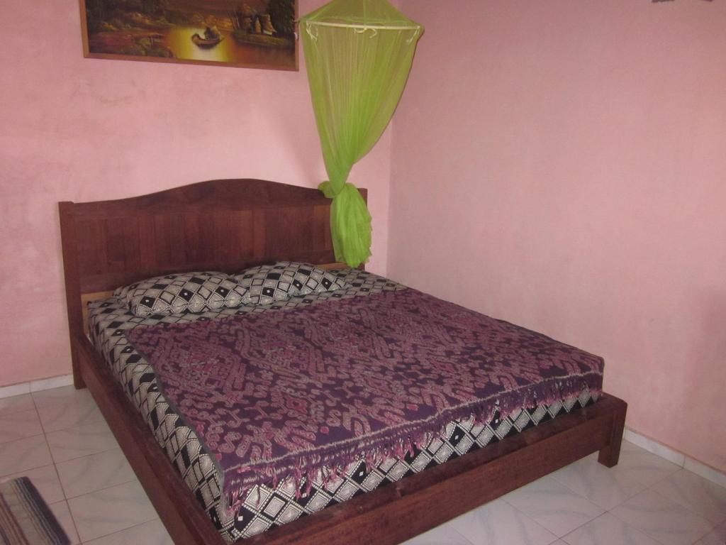 Standard - Bed Kubu Made Homestay