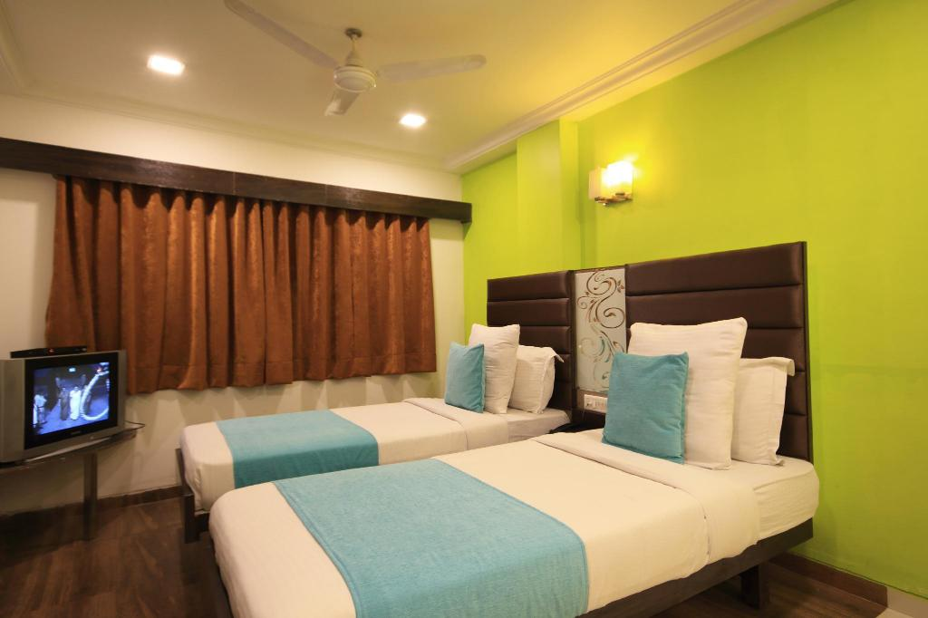 Deluxe Ac Double Room - View Hotel Kadamb Inn