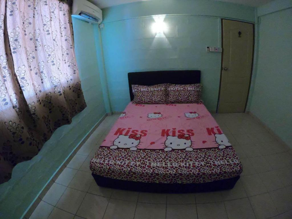 Bed Borneo Holiday Rental Apartment