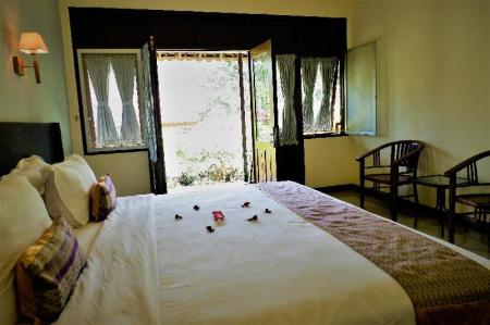 Deluxe with Garden View - Bed Villa Kendi