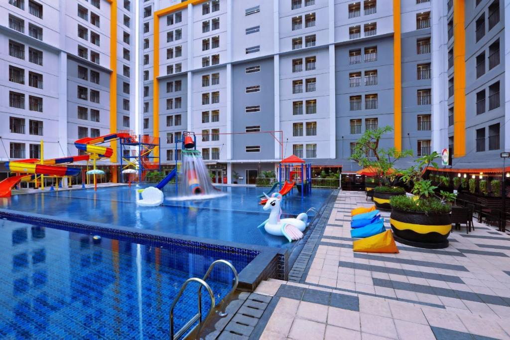 Swimming pool [outdoor] Ara Hotel Gading Serpong