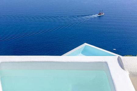 Swimming pool [outdoor] Canaves Oia Suites & Spa