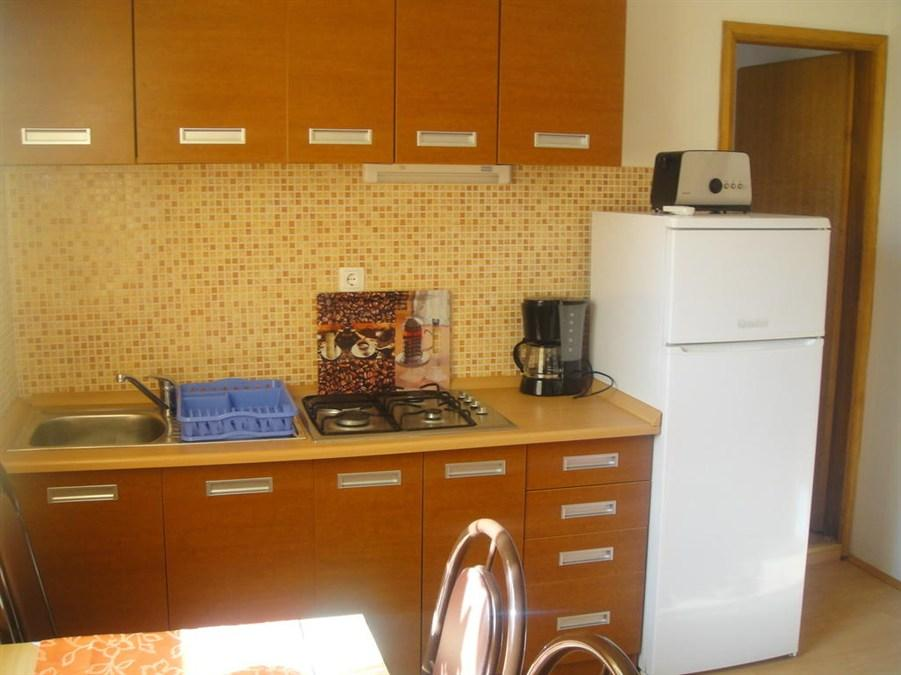 Apartma z 1 spalnico in pogledom na vrt (One-Bedroom Apartment with Balcony and Garden View)