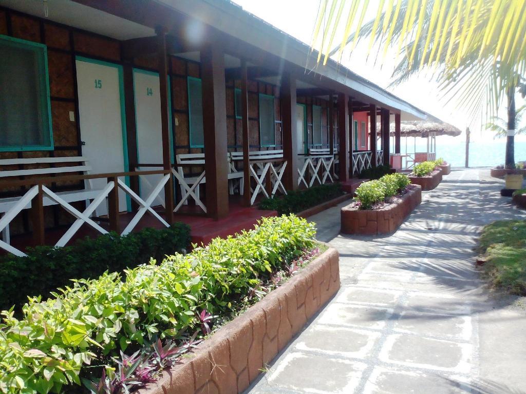 best price on the waterfront beach resort in bataan reviews. Black Bedroom Furniture Sets. Home Design Ideas